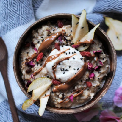 Pear Ginger and Date Porridge
