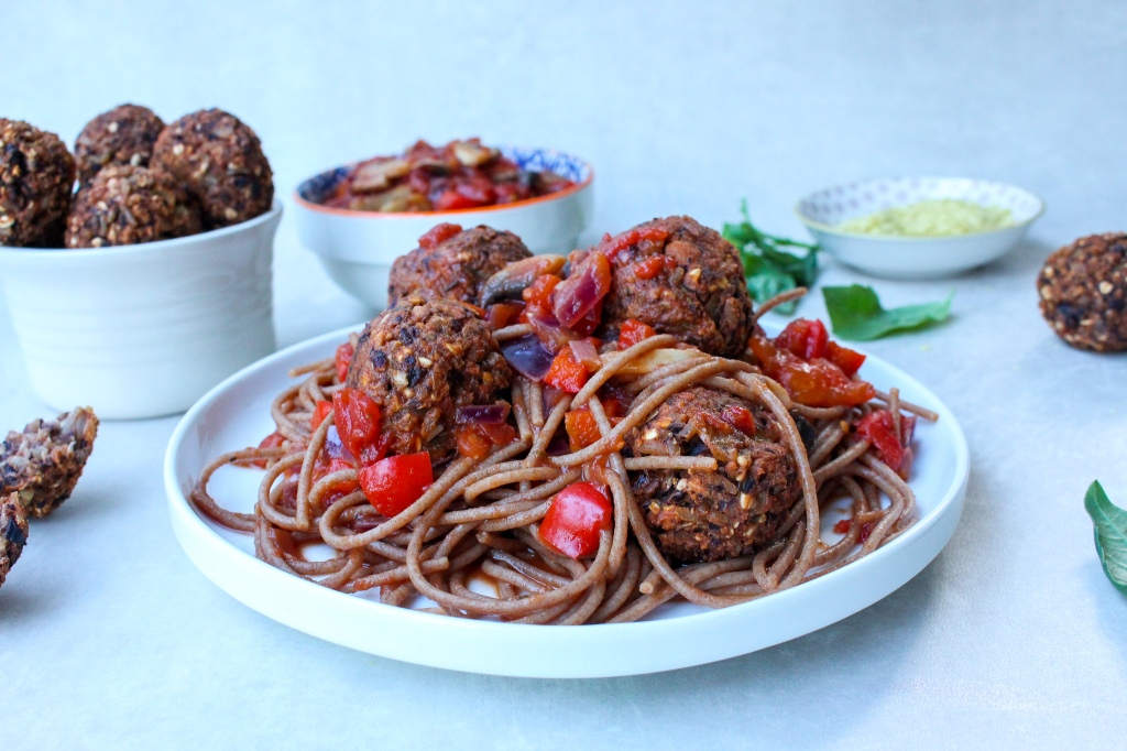 Spaghetti and No-Meat Ballz