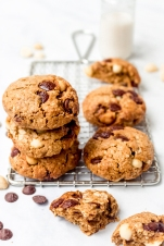 Chewy Chocolate Macadamia Cookies