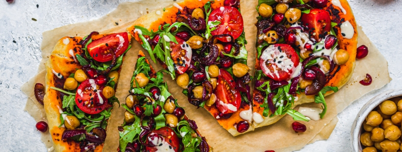 Harissa Chickpea Pitta Bread Pizzas with Tahini