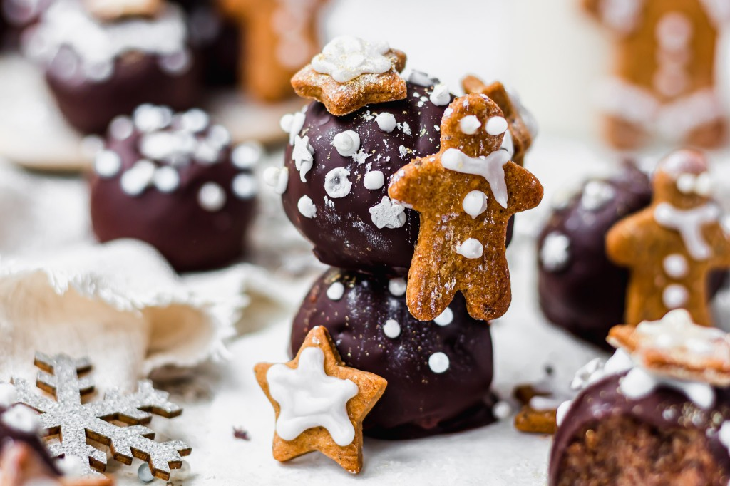 Gingerbread Chocolate Cake Bombs